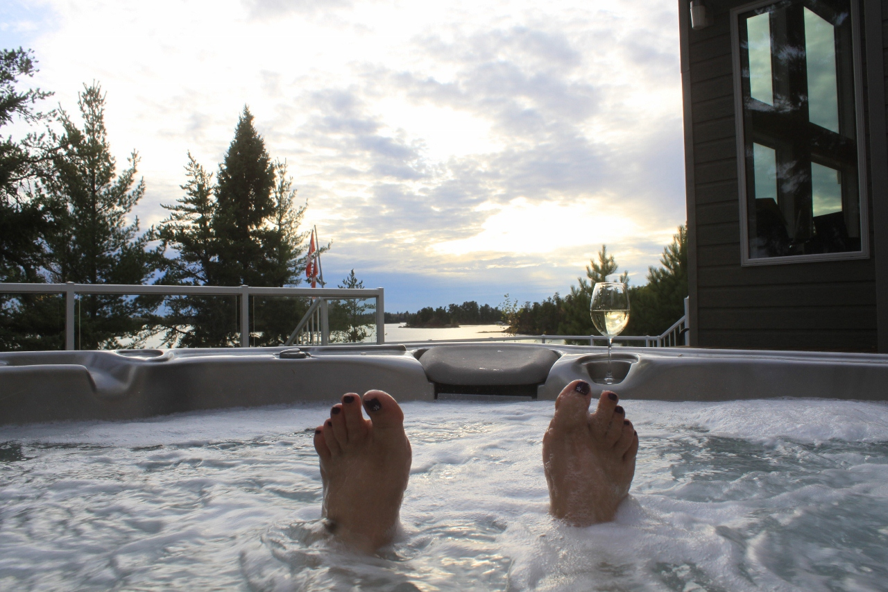 Stormbay-Relax-in-the-Hottub